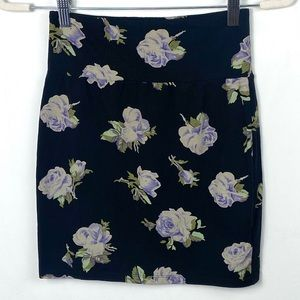 Aritzia Talula Floral Mini Skirt Pencil Sz Medium